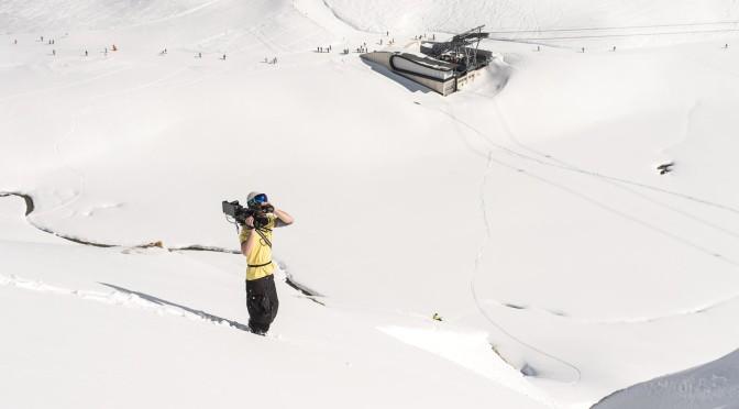 Martin Engler beim Dreh in einer Schneelandschaft