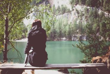 Auf sicheren Beinen in die Selbstständigkeit: Fünf Tipps, die Jungunternehmerinnen und Jungunternehmer beachten sollten